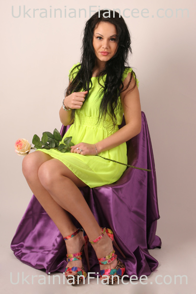 Introduce Beautiful Ukraine Women