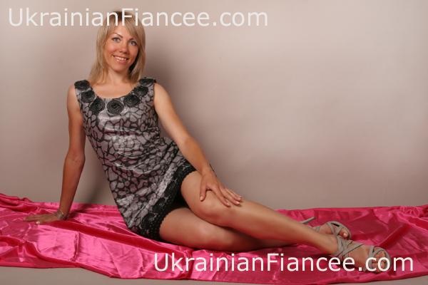 sex-ukrainian-women-click-on-kissing